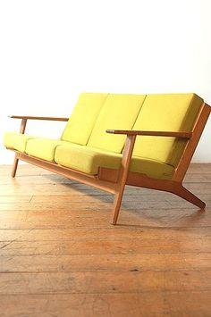 Original Hans Wegner Oak Sofa  #modersofa #sofadesign #sofaideas. Find more design inspiration on our blog ♥ http://roomdecorideas.eu/ ♥                                                                                                                                                     More