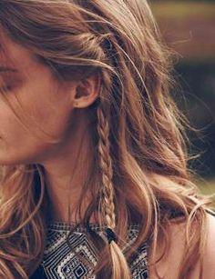 Une petite tresse - Pinterest @hairsilver