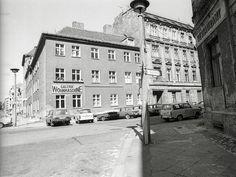 Auguststraße, Ecke Tucholskystraße