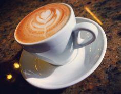 A R O M A  D I  C A F F É   Tarde de #CoffeeBreak es sinónimo del mejor café. Acompáñanos a vivir cálidos momentos en: #AromaDiCafféy deléitate con un suave #Capuccino . #MomentosAroma #SaboresAroma #ExperienciaAroma #Caracas #MejoresMomentos #Amistad #Compartir #Café #CaféVenezolano #Capuccino #Chocolate #LatteArt #Coffee #CoffeePic #CoffeeLovers #CoffeeCake #CoffeeTime #CoffeeBreak #CoffeeAddicts #CoffeeHeart #InstaPic #InstaMoments #InstaCoffee #Navidad #Christmas Visítanos en el C.C…