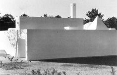 "loeilareaction: ""Eduardo Souto de Moura, House for the Quinta do Lago estate, Algarve, 1984. """
