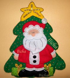 **Manualidades de Bicha**: Adornos para la puerta o pared Christmas Deco, Christmas Holidays, Christmas Crafts, Merry Christmas, Christmas Ornaments, Christmas Paintings, Felt Fabric, Felt Crafts, Santa