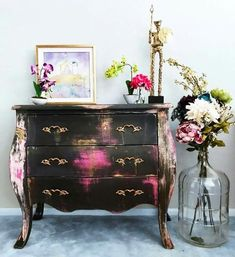 Best Painted Furniture In A Range of Colours - Diy Furniture Teens Ideen Hand Painted Furniture, Funky Furniture, Paint Furniture, Repurposed Furniture, Furniture Projects, Furniture Makeover, Furniture Decor, Rustic Furniture, Antique Furniture