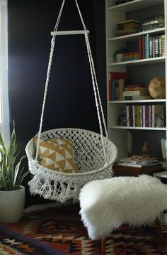 Boho Chic on a Budget:  DIY Hanging Macramé Chair  — Classy Clutter. (*here you go, @rebekahlaswell, a project for you and your roommates! :) )  full tutorial here:  http://www.classyclutter.net/2014/06/diy-hanging-macrame-chair.html