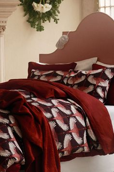 Make the most of late nights and lazy mornings with fresh, new beddings in beautiful prints, colours and textures. Home Interior Design, Interior And Exterior, Interior Decorating, Bedroom Colors, Bedroom Ideas, 2017 Inspiration, H&m Home, Bed Ideas, Late Nights