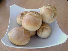 Chefkoch.de Rezept: Brot und Brötchen schleifen. Video: http://www.chefkoch.de/rezepte/967221202387607/Brot-und-Broetchen-schleifen.html