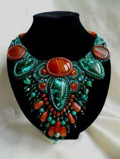 Amazing embroidered jewelry by Irina Chikineva | Beads Magic
