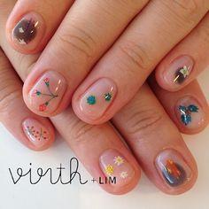 Negative space, minimal nail art design | hokuri nails | ideas de unas