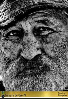 Recuerdo 1° Premio: Cámara de Oro en Punctum Fotográfico - Colombia