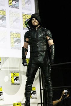 Stephen Amell as Green Arrow Oh. my! Loving the new suit!
