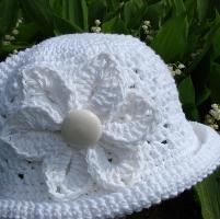 Ladies spring/summer hat made by me. A free hat pattern and Bonita Pattern's croc flower.one of my favorites! Crochet Kids Scarf, Crochet Summer Hats, Crochet Baby Hats, Crochet Beanie, Crochet For Kids, Crochet Clothes, Crocheted Hats, Knit Crochet, Spring Hats