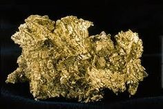 10/19/ 1872 – The world's largest gold nugget (215 kg) was found in New South Wales, Australia.