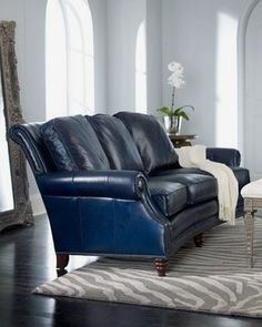 Tips That Help You Get The Best Leather Sofa Deal. Leather sofas and leather couch sets are available in a diversity of colors and styles. A leather couch is the ideal way to improve a space's design and th Navy Blue Leather Sofa, Best Leather Sofa, Leather Sofas, Leather Chairs, Navy Blue Sofa, Blue Sofas, Black Leather, Sofa Deals, Navy Blue Living Room