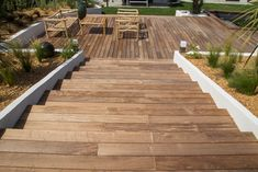 #terrasse #bois #création #exterieur #jardin #pa #paysagiste #provence #plantation #outdoor Plantation, Deck, Stairs, Provence, Outdoor Decor, Home Decor, Gardens, Wooden Terrace, Garden Design
