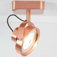 Wat een gave koperen spotlamp! De wandlamp DICE-1 LED van het merk Zuiver is erg handig in gebruik. De lamp is verstelbaar in alle richtingen en ook nog eens di