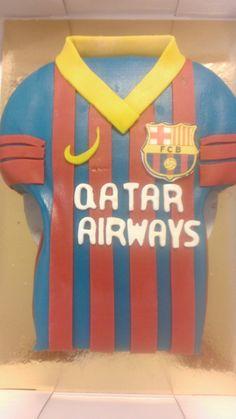 Originele verjaardagstaart voor een voetbalfan? Taart in kleuren en uitvoering van het voetbalclub shirt!