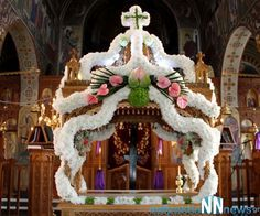 great friday russian orthodox - Google Search Church Flower Arrangements, Church Flowers, Mary 1, Greek Easter, Russian Orthodox, Orthodox Christianity, White Flowers, Jesus Christ, Friday