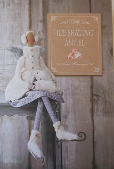 Complete DIY kit for making a Tilda ice skating angel auf Etsy, 35,95 €