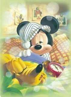 Tenyo Disney Characters Mickey Mouse and Pluto 500 pcs. We sell Japan jigsaw puzzles and gifts to worldwide. Walt Disney, Disney Mickey Mouse, Retro Disney, Mickey Mouse Y Amigos, Mickey Love, Mickey Mouse And Friends, Disney Fun, Disney Magic, Disney Pixar