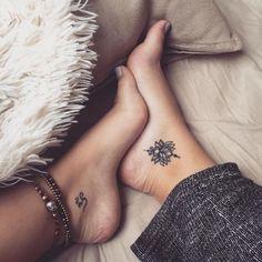 Tatuagens pequenas no pé