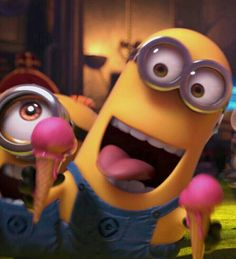 minion with 2 pink ice cream cones - Despicable Me 2 movie Minion Mayhem, Cute Minions, Minions Despicable Me, Funny Minion, Minions 2014, Bee Do, Minion Pictures, Minions Quotes, At Least
