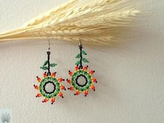 Aretes Trigo Seed Bead Jewelry, Seed Bead Earrings, Beaded Earrings, Seed Beads, Beaded Jewelry, Beading Projects, Beading Tutorials, Beading Patterns, Beaded Flowers