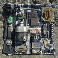 Buid your ultimate Bug Out Bag with these items! - Sophie - Buid your ultimate Bug Out Bag with these items! Buid your ultimate Bug Out Bag with these items! Bushcraft Camping, Bushcraft Kit, Camping Tools, Camping Survival, Outdoor Survival, Camping Gear, Hiking Gear, Survival Gadgets, Survival Tools