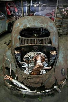 I can appreciate this for it's artistic value but as an actual driver, it would just be silly... VERY RUSTY Oval with super shiny and detailed copper and chrome engine.