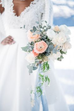 Beautiful ranunculus, delicate roses, jasmin and eucalyptus for a winter bridal bouquet. Winter Bridal Bouquets, Ranunculus, Delicate, Roses, Fine Art, Table Decorations, Wedding Dresses, Beautiful, Fashion