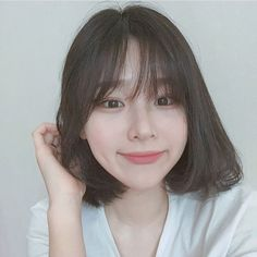 New Hair Styles Trenzas Cute Girls 54 Ideas Short Hair With Bangs, Girl Short Hair, Hairstyles With Bangs, Trendy Hairstyles, Girl Hairstyles, Korean Short Hair Bangs, Korean Hairstyle Bangs, Kpop Short Hair, Shot Hair Styles