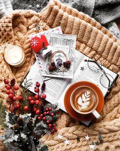 Christmas Flatlay, Cosy Christmas, Christmas Feeling, All Things Christmas, Christmas Themes, Christmas Lights, Christmas Crafts, Cute Christmas Wallpaper, Diy Cadeau
