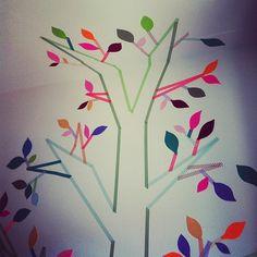 Washi Tape Kids room / cuarto de niños washi tape tree for a nursery Diy Washi Tape Room Decor, Washi Tape Mural, Masking Tape Art, Tape Wall Art, Washi Tape Crafts, Diy Crafts, Cute Office, Decorative Tape, Idee Diy
