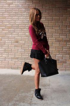 Lady Framboise. Me gusta este look con minifalda y jersey de Pull AW12-13