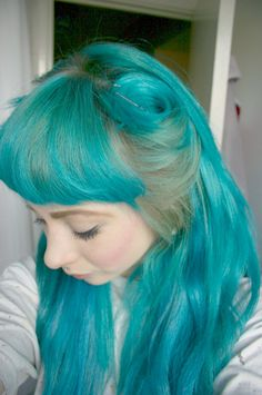 turquoise victory rolls