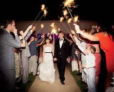 modern-parker-palm-springs-wedding-reception-sparklers.jpg (450×363)