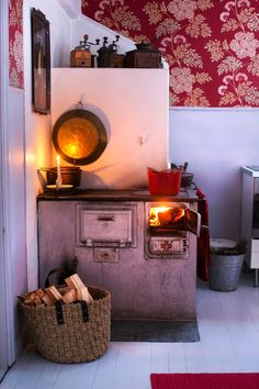 Home Decoration Apartments Old stove Country Interior, Home Interior, Interior Design, Nordic Home, Scandinavian Home, Cheap Wall Decor, Cheap Home Decor, Old Stove, Little Houses