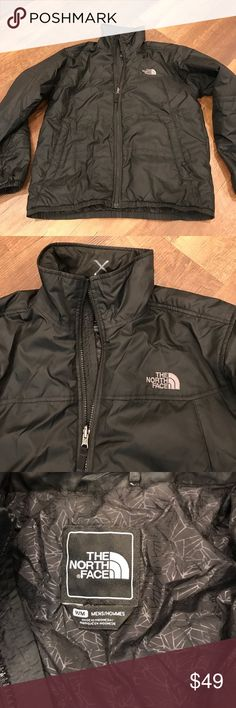 """The North Face Men's Lightweight Puffer Jacket Excellent condition, white """"x"""" on interior of neck. Lightweight but warm! The North Face Jackets & Coats"""