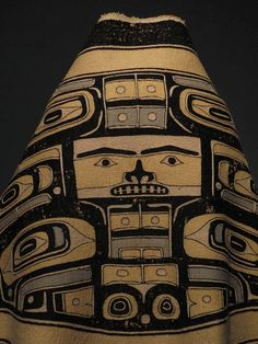 Artist unknown, Chilkat Tlingit; Chilkat robe (naaxein), ca. 1850-80; mountain goat wool, cedar bark, native dyes From the Hood Museum, Dartmouth College, VT.