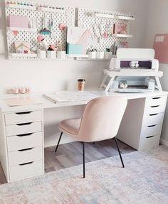 Ikea Craft Room, Small Craft Rooms, Craft Room Decor, Cricut Craft Room, Craft Room Storage, Craft Desk, Room Crafts, Craft Space, Pegboard Craft Room
