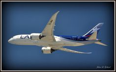 LAN Airlines Boeing 787 at LAX.