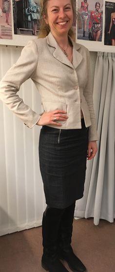 Anne Louise har syet sin første jakke med fine detaljer. Sildebensvævet bomuld/hør
