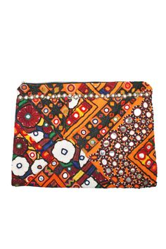 Leon| New Cosmetic Cases on the site!! Ethnic Bag, New Cosmetics, Vintage Clutch, Cosmetic Case, Cases, Wallet, Purses, Diy Wallet, Purse