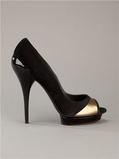 Versace. This is the only one in this style that I've liked. But I like other styles of shoes much more.