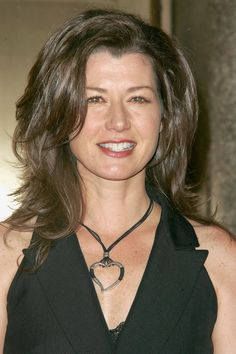 Amy Grant - like her hair