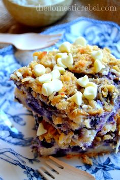 Blueberry Muffin Cake with Coconut Cookie Crumble