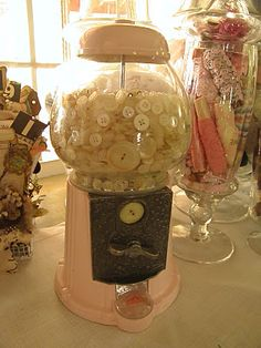 Button Bubble Gum Machine = LOVE THIS - will have to look out for one for my buttons...