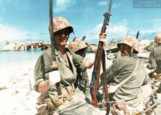 """captain-price-official: """" A wounded marine proudly exhibits a Japanese sword, Tarawa, 23 November 1943 """" """"katana"""" means """"Japanese sword"""" Us Marines, Ww2 History, Military History, Renaissance, Military Guns, Military Humor, Ww2 Photos, War Photography, Us Marine Corps"""