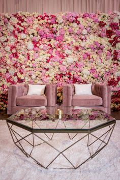 I had the honor of planning Cardi B's baby shower to celebrate the arrival of her little girl. This New York City inspired event is the ultimate personalized luxury baby shower. Makeup Studio Decor, Beauty Salon Decor, Nail Salon Design, Salon Interior Design, Flower Wall Backdrop, Flower Wall Decor, Flower Wall Design, Floral Design, Boutique Decor