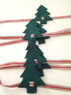 Servilleteros Christmas Napkin Folding, Christmas Napkins, Christmas Sewing, Christmas Wrapping, Christmas 2019, Handmade Christmas Decorations, Christmas Tree Decorations, Holiday Crafts, Christmas Ornaments
