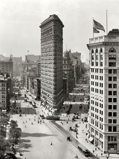 "August 1909. ""The Flat Iron building, New York."""